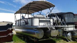 2018 Aqua Patio 235 DT w/ Evinrude E200LF G-2 200 HP Outboard