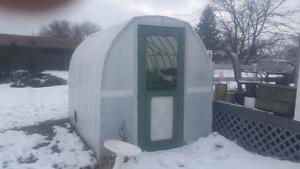 Greenhouse approx 6'×9'