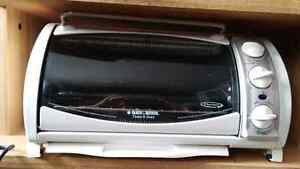 Black and Decker Toaster Oven -White