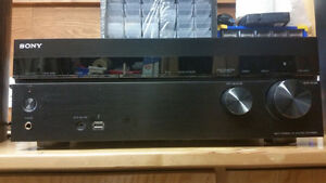 Sony STRDN840 Home theater reciever with speakers
