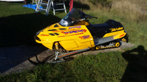 2000 mxz 700 and 1995 indy 600 priced to sell
