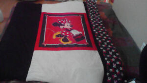 SELF MADE MINNIE MOUSE BLANKET + Matching PILLOWCASE