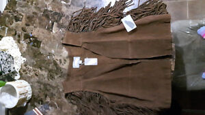 BROWN LETHER VEST size M---BRAND NEW