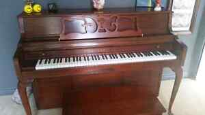 BEAUTIFUL Kawai upright piano bought at Steinway Gallery in MI