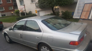 very sound and relaible toyota camry for $1,000 urgent