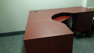 Desk in excellent condition