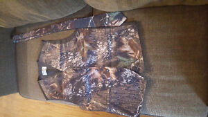 real tree camo wedding dress and mens matching tux vest and tie Kawartha Lakes Peterborough Area image 3