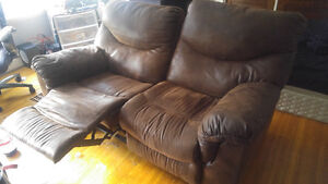 Recliner love seat with center console