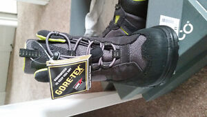 Ecco boots new size 13.5 West Island Greater Montréal image 1
