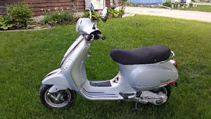 Summer is here! -- 2007 Vespa LX 150 Safetied - Great deal!