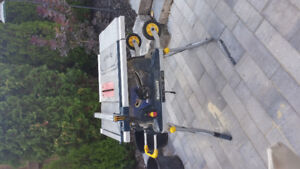 Tablesaw and mitersaw