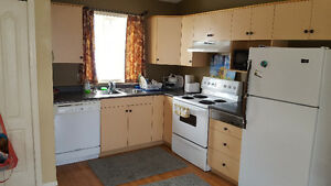 Bright 2 bdrm carriage house March 1st