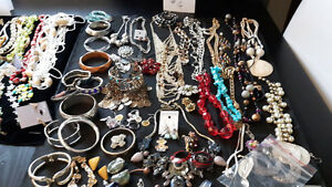 Large Selection of Costume Jewelery --- LOT   #4