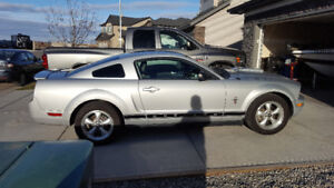 2007 Ford Mustang 4.0L 5spd LOW KM LOADED Leather Heated Seats+