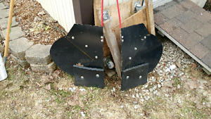 Extension wings for snow plow