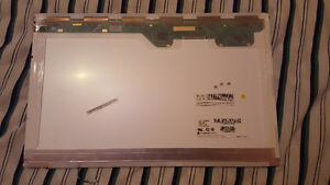 "Replacement Screen for Laptop 17"" London Ontario image 5"