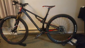 2019 intense sniper xc pro mountain bike almost new