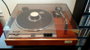 Sony 2410 stereo turntable record player