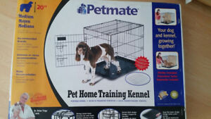 New Petmate ~ Pet Home Training Kennel