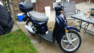 2005 Aprilla scarab Moped