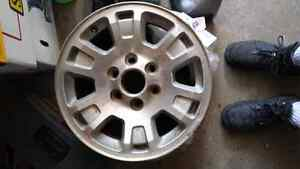 "Wanted  2005 - 2007 gmc 17"" rim."