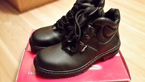 """Brand new COFRA 6"""" safety boots size 11"""