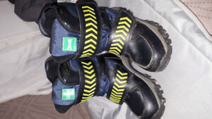 kids winter boots cougar size 13