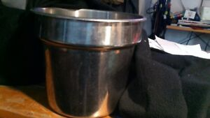 Vintage thick gauge stainless steel soup/food/ ice. Made in USA