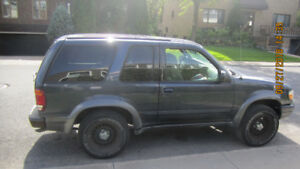 4X4 Ford Explorer 2000 for sale $1850 !!!