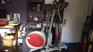 REDUCED FROM $400 Freemotion Elliptical 500 Rear Drive REDUCED