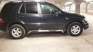 2000 Mercedes-Benz M-Class Classic SUV, Crossover