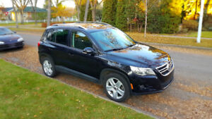 2010 WV TIGUAN Comfortline - Heated seats and Panoramic sunroof