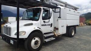 2004 freightliner M2 LRV58 Altec bucket truck