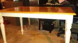 Table 4 chairs  Kitchener / Waterloo Kitchener Area image 1