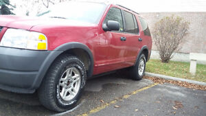 2005 Ford Explorer 4x4 WINTER IS HERE*** WOW $2300 587-700-8372
