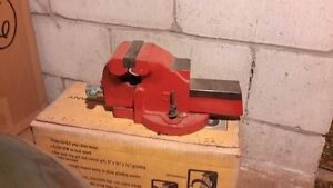 HEAVY DUTY BENCH VISE BY TIGER