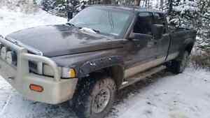 2002 Dodge 2500 4x4 Cummins 6 SP/STD  LONGBOX