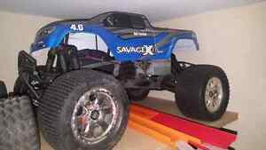 Hpi savage 4.6ss one complete running one complete but apart. Kitchener / Waterloo Kitchener Area image 1