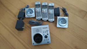 Panasonic Cordless Phone with 3 handsets.