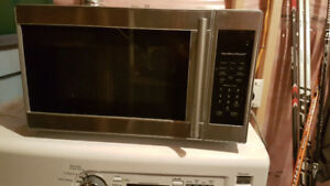Small microwave - free! pick up only