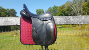 """County Connection Dressage Saddle 18""""/Wide"""