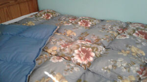 Featger Duvet with 3 covers - like new