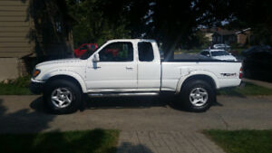 2004 Toyota Tacoma Trd off road Camionnette