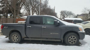 2006 Nissan Titan LE Pickup Truck - REDUCED