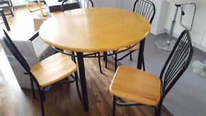 Round Wood Top Table with 4 matching Chairs