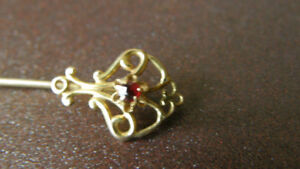 ANTIQUE 10K GOLD STICK-PIN WITH RED STONE