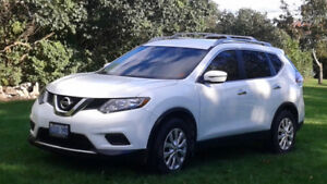 2016 Nissan Rogue in like new condition