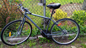 """Hybrid Bike (18"""" frame) in great condition!"""
