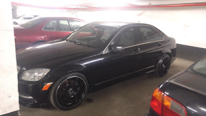 Mercedes Benz c300 2011 only 120km