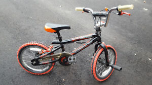 Moving sale: youth and kids mountain bikes
